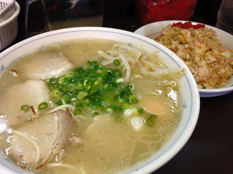【月天】これぞ小倉のラーメン、焼きめし、チャンポンも美味しい人気店(北九州市小倉北区)