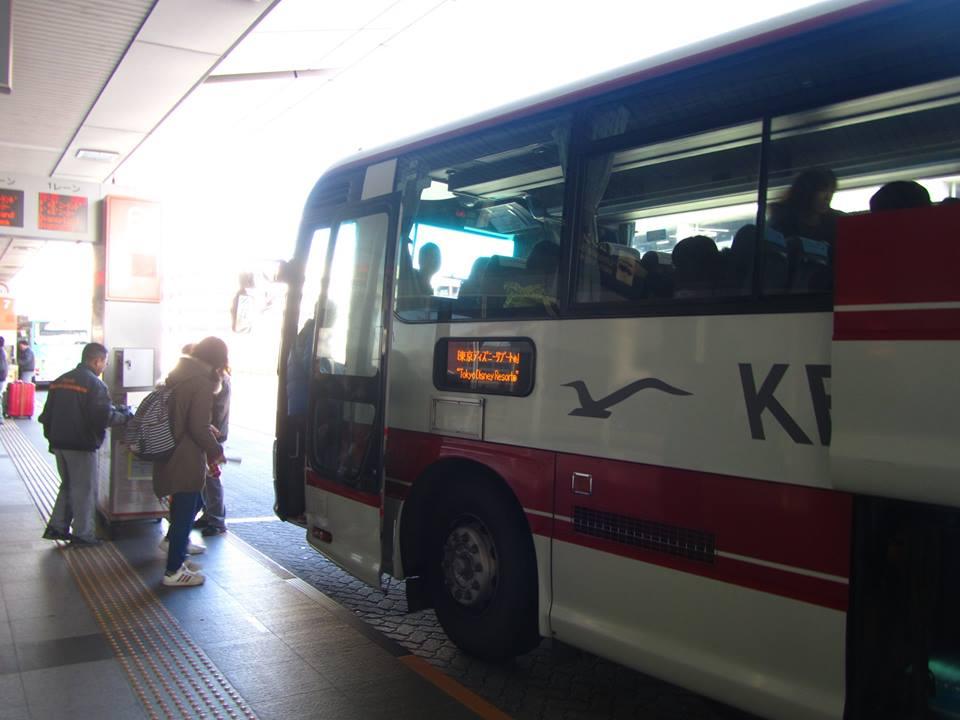 羽田空港から東京ディズニーリゾートへのリムジンバスは予約しよう