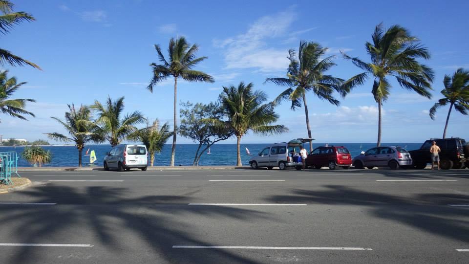 ニューカレドニアの交通マナーに感激