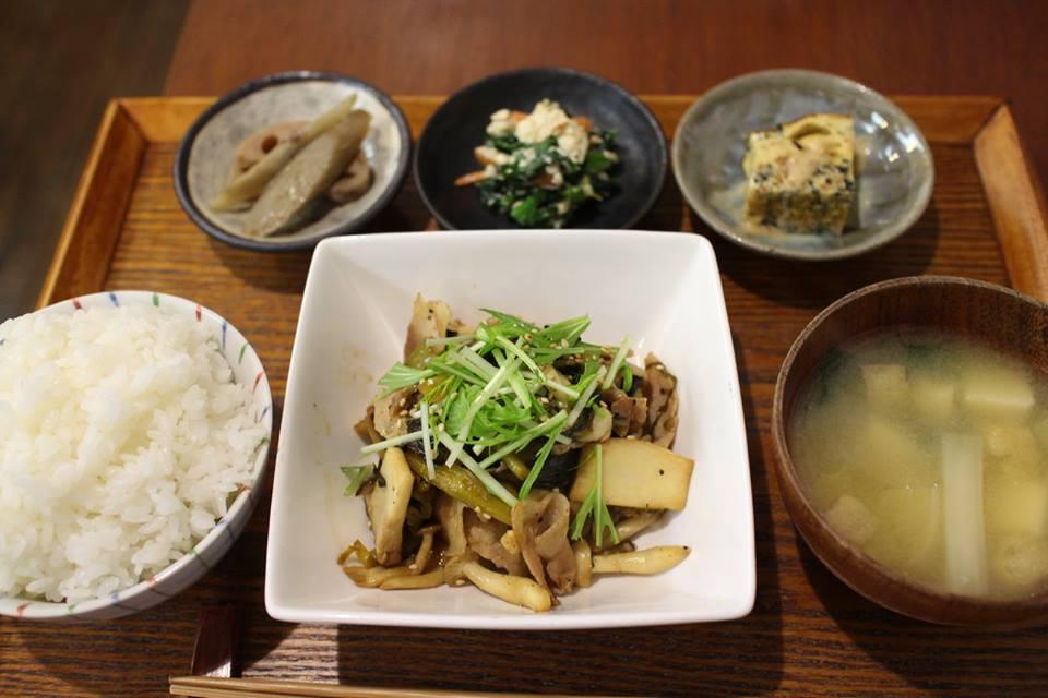 【コミルキッチン】アットホームな優しい食堂カフェ(北九州市小倉北区)