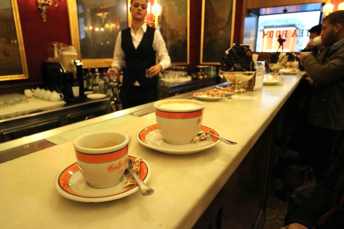 イタリアのカフェ『バール』の楽しみ方