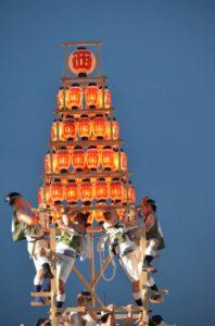 戸畑祇園大山笠競演会での西大山笠の五段上げ